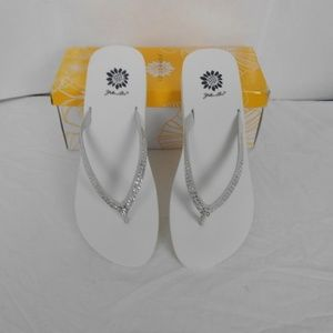 Yellow Box Jello White  Flip Flop Size 11M New